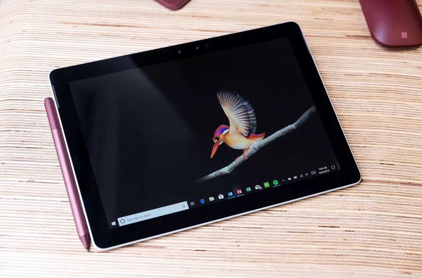 Microsoft chính thức ra mắt Surface Go giá rẻ cạnh tranh trực tiếp với Apple iPad