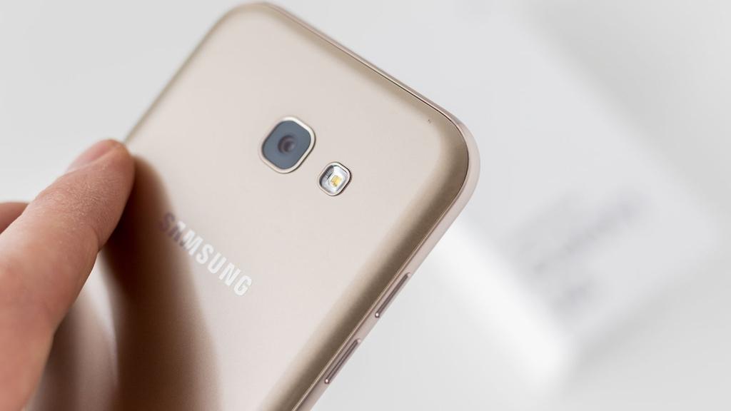 Samsung giảm ngay 1.000.000 đồng khi mua Galaxy A5/A7 2017 màu Gold từ ngày 3/5 đến 31/5