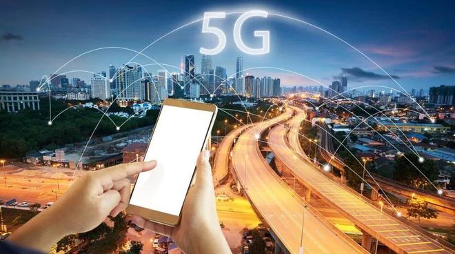Samsung và KDDI thử nghiệm thành công mạng 5G trên tàu cao tốc đang di chuyển với tốc độ 100km/h