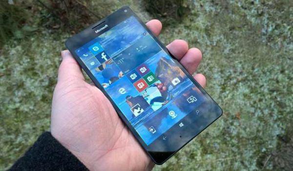 Microsoft phát hành Build 15063.786 và 15254.124 dành cho Windows 10 Mobile