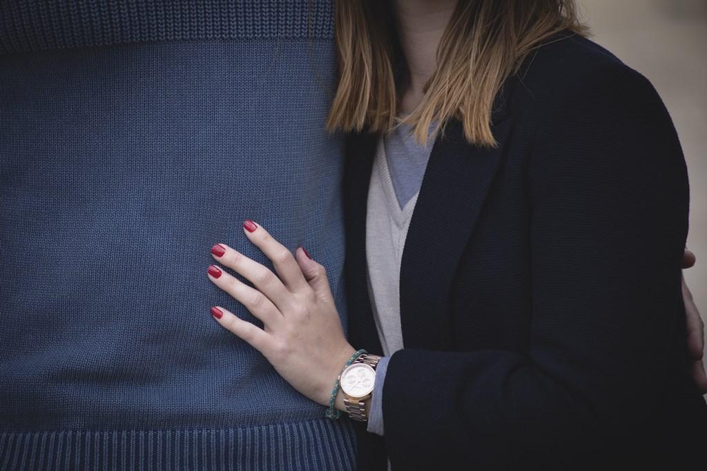 Tại sao phụ nữ thành công lại chọn những người đàn ông tồi?