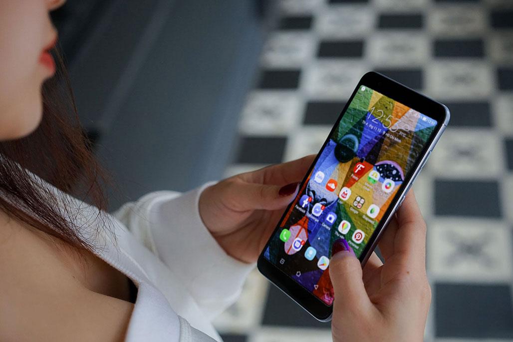 Trên tay Zenfone Max Plus (M1): Smartphone đầu tiên của Asus được trang bị màn hình full view 18:9