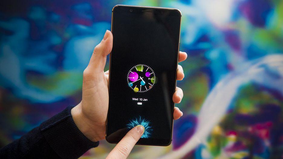 CES 2018: Vivo trình làng smartphone đầu tiên trên thế giới trang bị cảm biến vân tay dưới màn hình