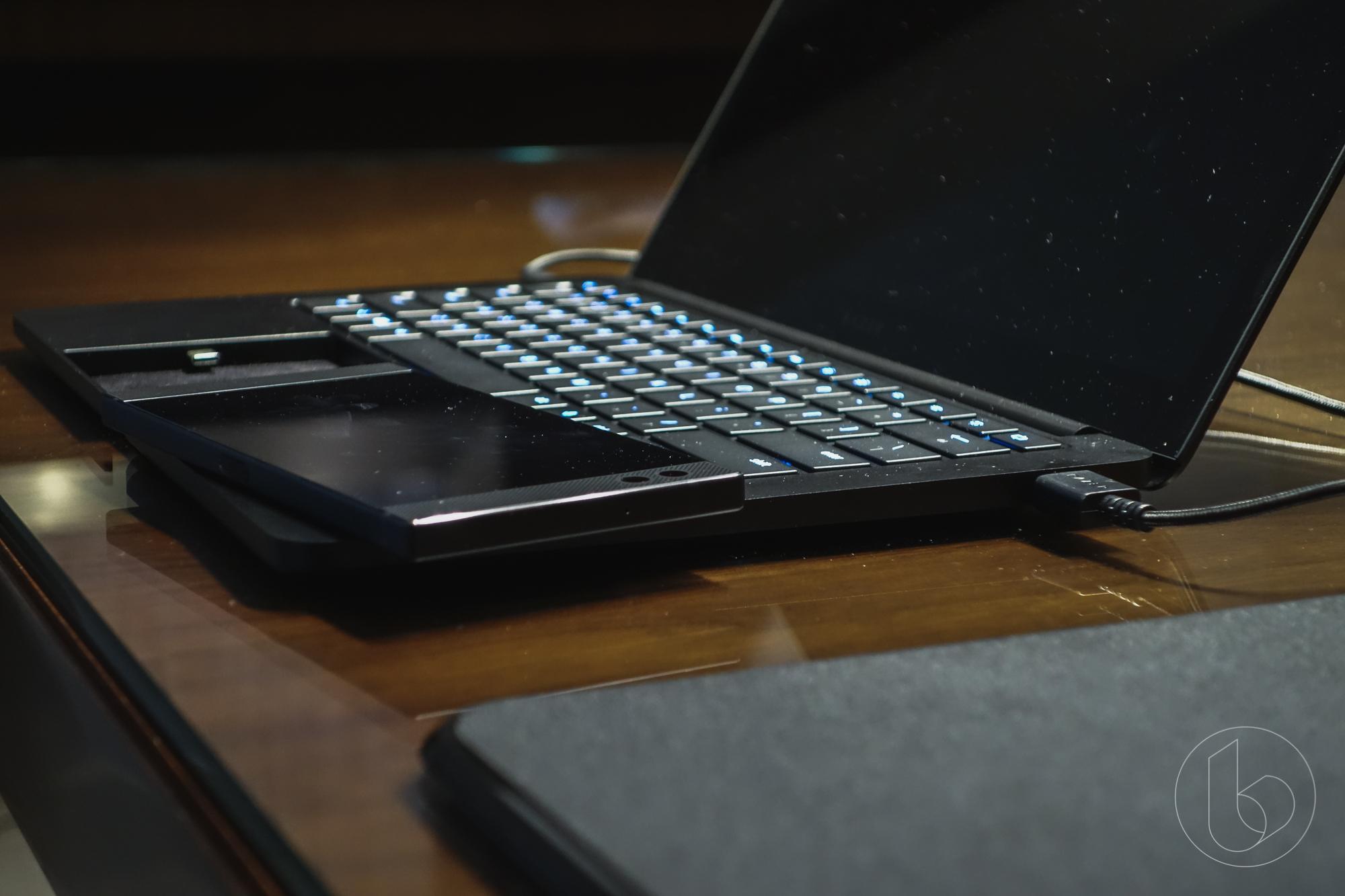 [CES 2018] Razer vén màn dự án Linda: Thế hệ laptop của tương lai