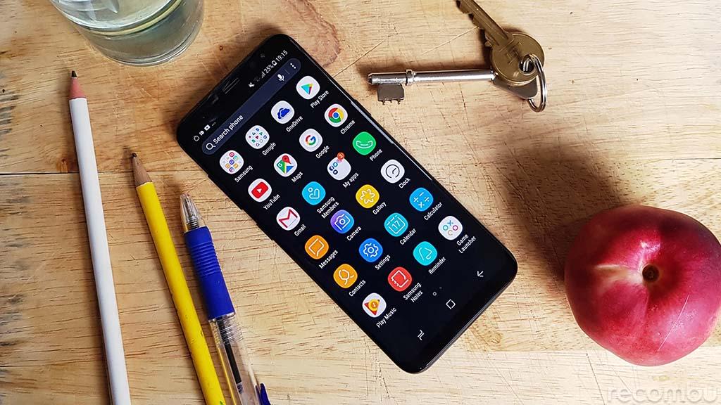 Vỏ hộp Galaxy S9 tiết lộ máy có loa stereo, RAM 4GB, camrera đơn 12MP có thể thay đổi khẩu độ