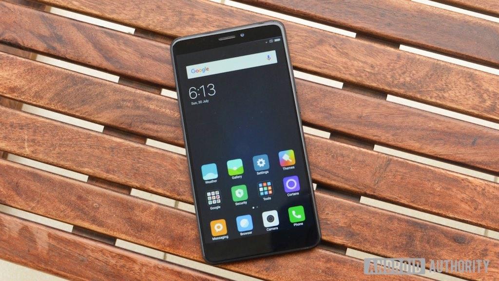 Rò rỉ hình ảnh của Xiaomi Mi Max 3 với camera kép, màn hình 6.99 inch và pin cực khủng 5500 mAh