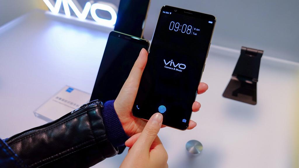 Cùng xem video so sánh tốc độ, sự tiện lợi của công nghệ cảm biến vân tay trong màn hình và Face ID trên iPhone X