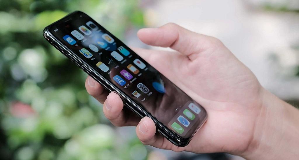 Steve Wozniak: Nhà đồng sáng lập Apple thất vọng với iPhone X vì các nút bấm quá rắc rối