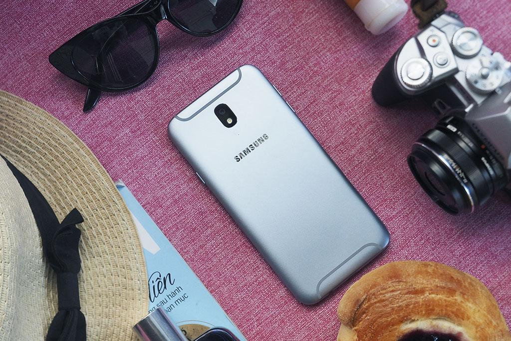 Rò rỉ danh sách các smartphone sẽ được Samsung ra mắt trong năm 2018 trong source code Galaxy Note 8