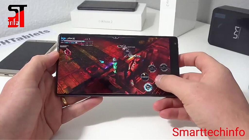 Gaming Phone của Xiaomi rò rỉ điểm benchmark cực khủng: hơn 100.000 điểm so với Razer Phone