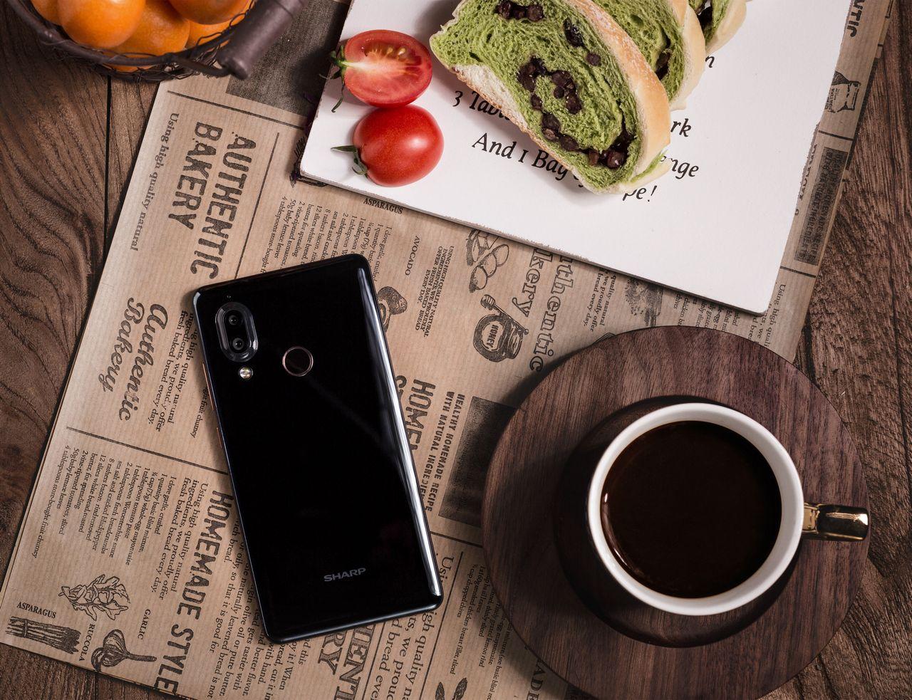 Sharp Aquos S3 với màn hình tai thỏ 6 inch, camera kép, Face ID sẽ ra mắt tại Việt Nam ngày 28/3