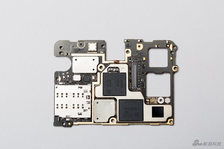 Tháo bung Mi MIX  2S: Đây là những gì bạn có thể tìm thấy trong một thiết bị cực kỳ