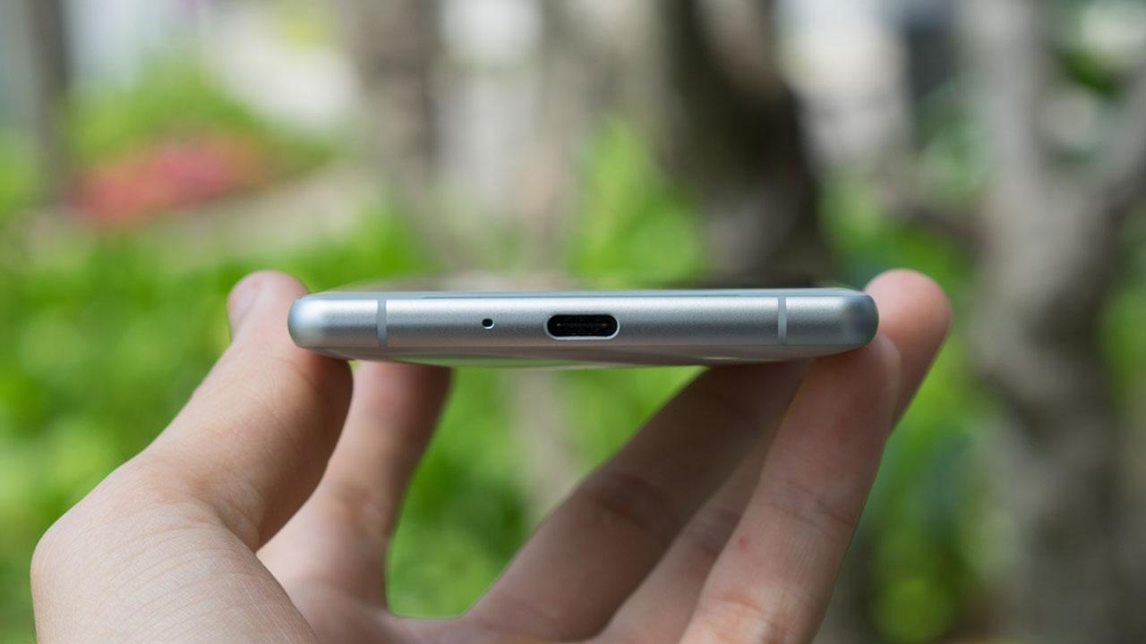 Sony chính thức trình làng Xperia XZ2 tại Việt Nam: Thiết kế mới, màn hình 18:9 HDR, giá 19.990.000VNĐ