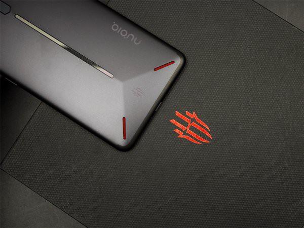 Cùng xem một số hình ảnh đập hộp smartphone Nubia Red Magic: Gaming Phone có thiết kế tuyệt vời!