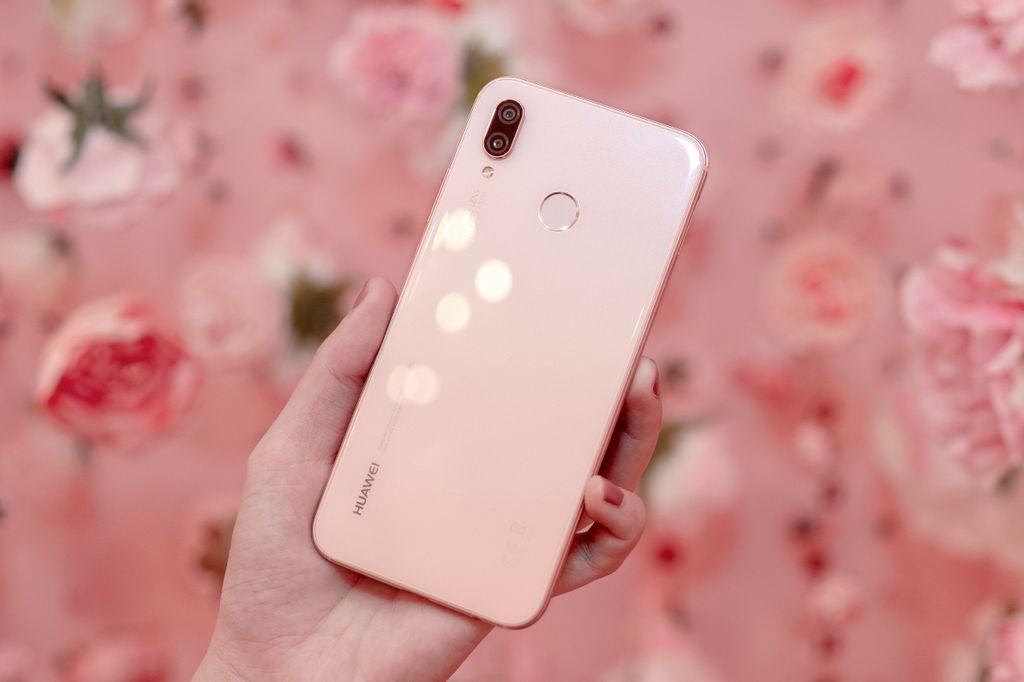 Huawei chính thức ra mắt Nova 3e phiên bản màu Hồng Sakura tại Việt Nam