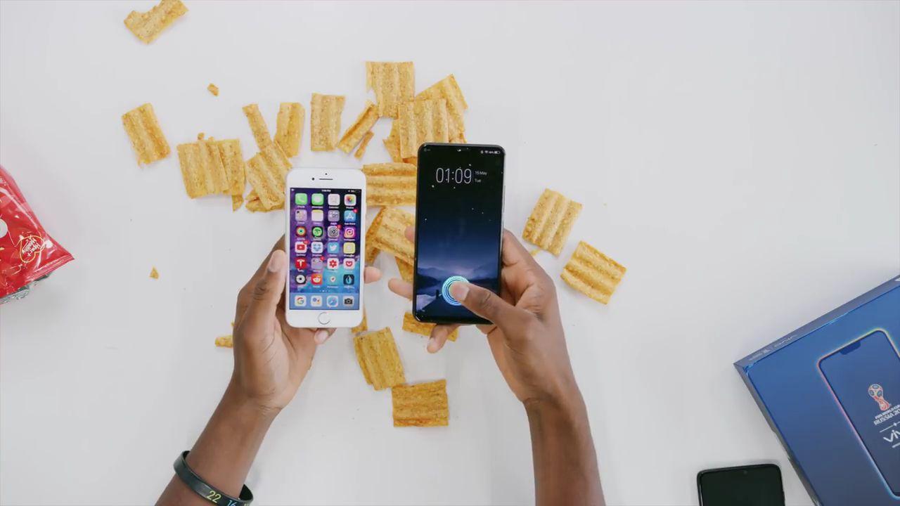 Cùng xem video so sánh cảm biến vân tay tích hợp trong màn hình và Touch ID của Apple