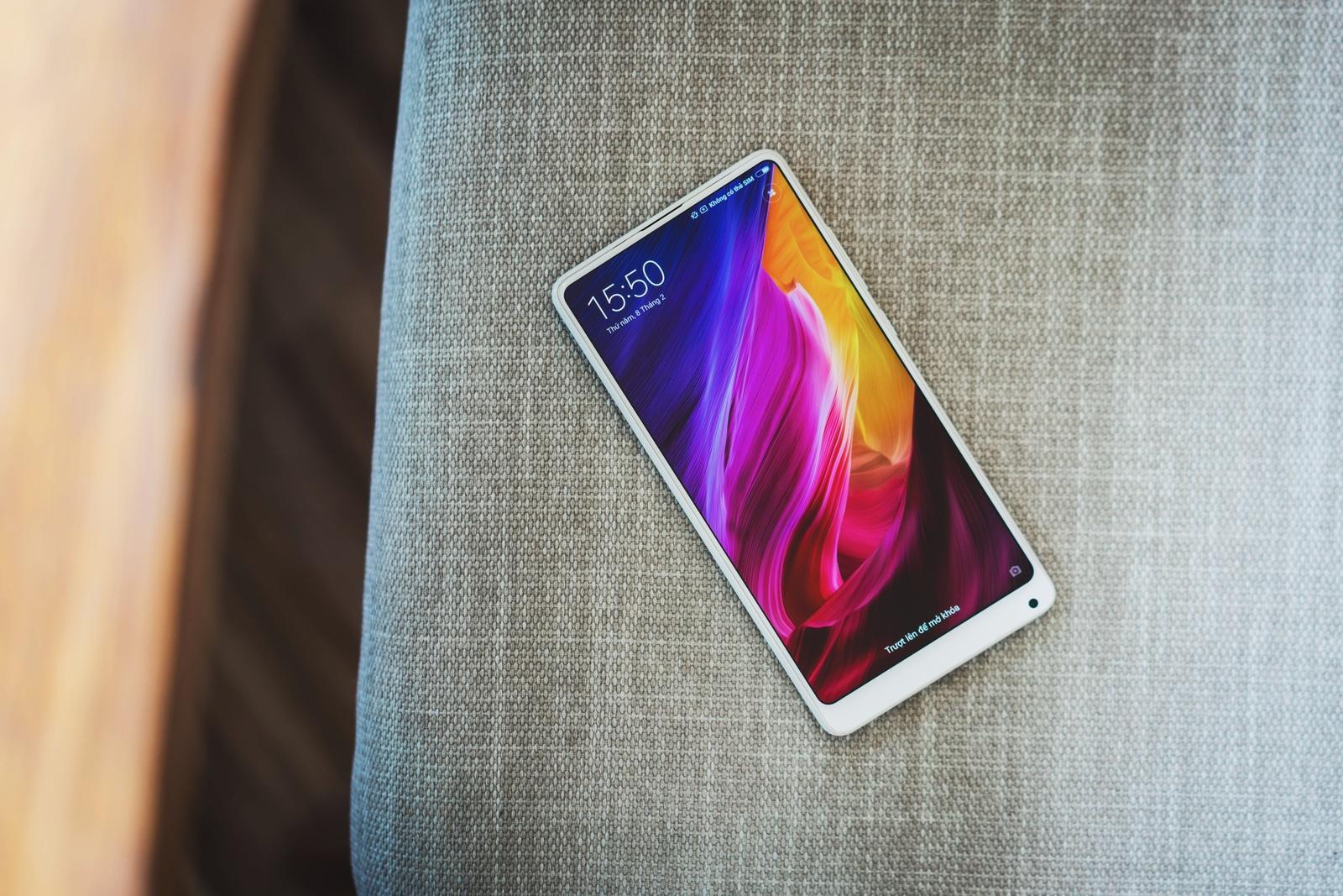 Rò rỉ bản rom MIUI beta cho Xiaomi Mi Mix 2 với giao diện mới, điều khiển bằng cử chỉ vuốt