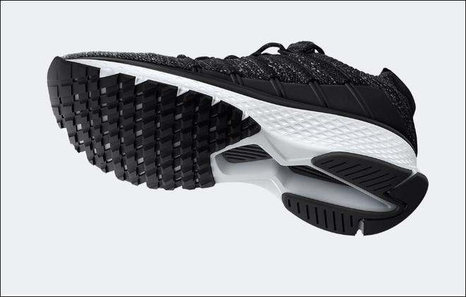 Xiaomi trình làng giày thể thao Mi Sports Sneakers 2, cải thiện thiết kế, giá giữ nguyên 31 USD