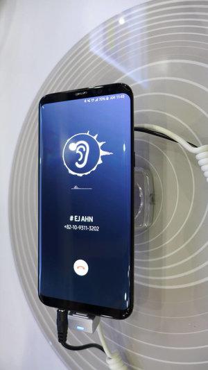 Galaxy S10 sẽ sở hữu màn hình OLED 6.2-inch tích hợp công nghệ truyền âm thanh qua xương?