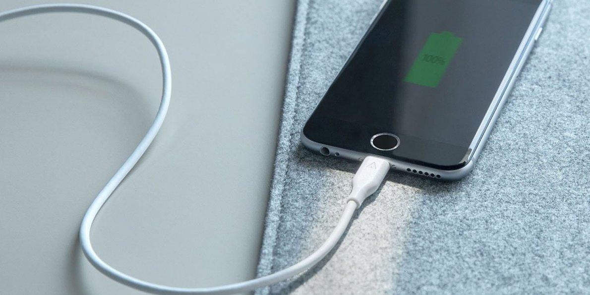Người dùng than phiền iPhone thế hệ cũ gặp vấn đề hao pin khi cập nhật iOS 11.4
