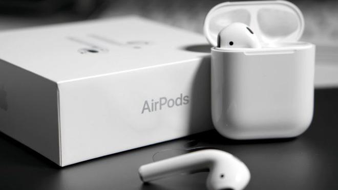 Hộp sạc AirPods sẽ sớm có khả năng sạc không dây cho iPhone?