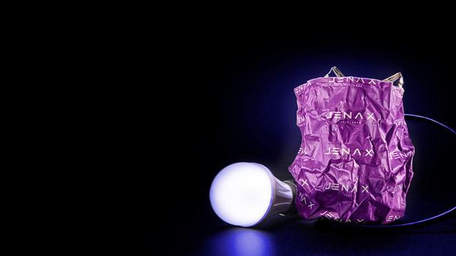 [CES 2019] Jenax ra mắt pin linh hoạt đầu tiên trên thế giới, có thể bẻ gập, uống cong thành hình dạng bất kỳ
