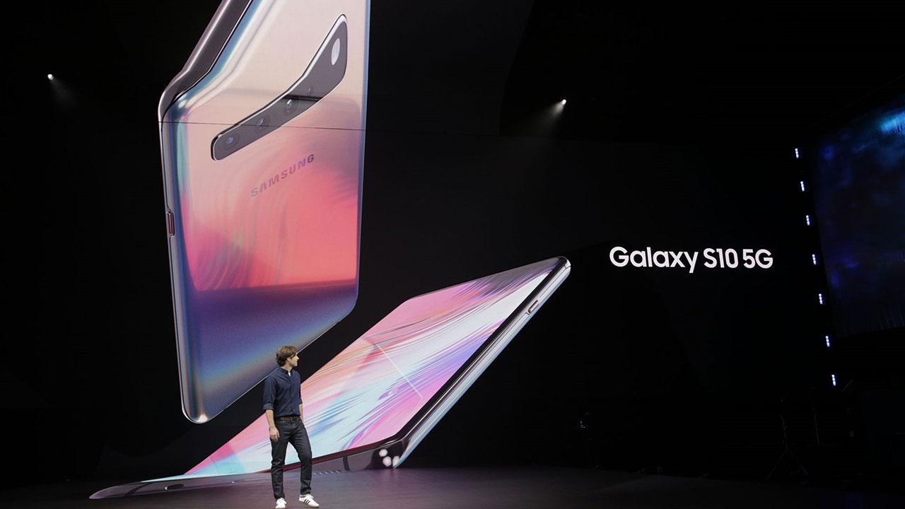 Samsung trình làng Galaxy S10 5G với màn hình 6.7 inch, 6 camera, download siêu nhanh