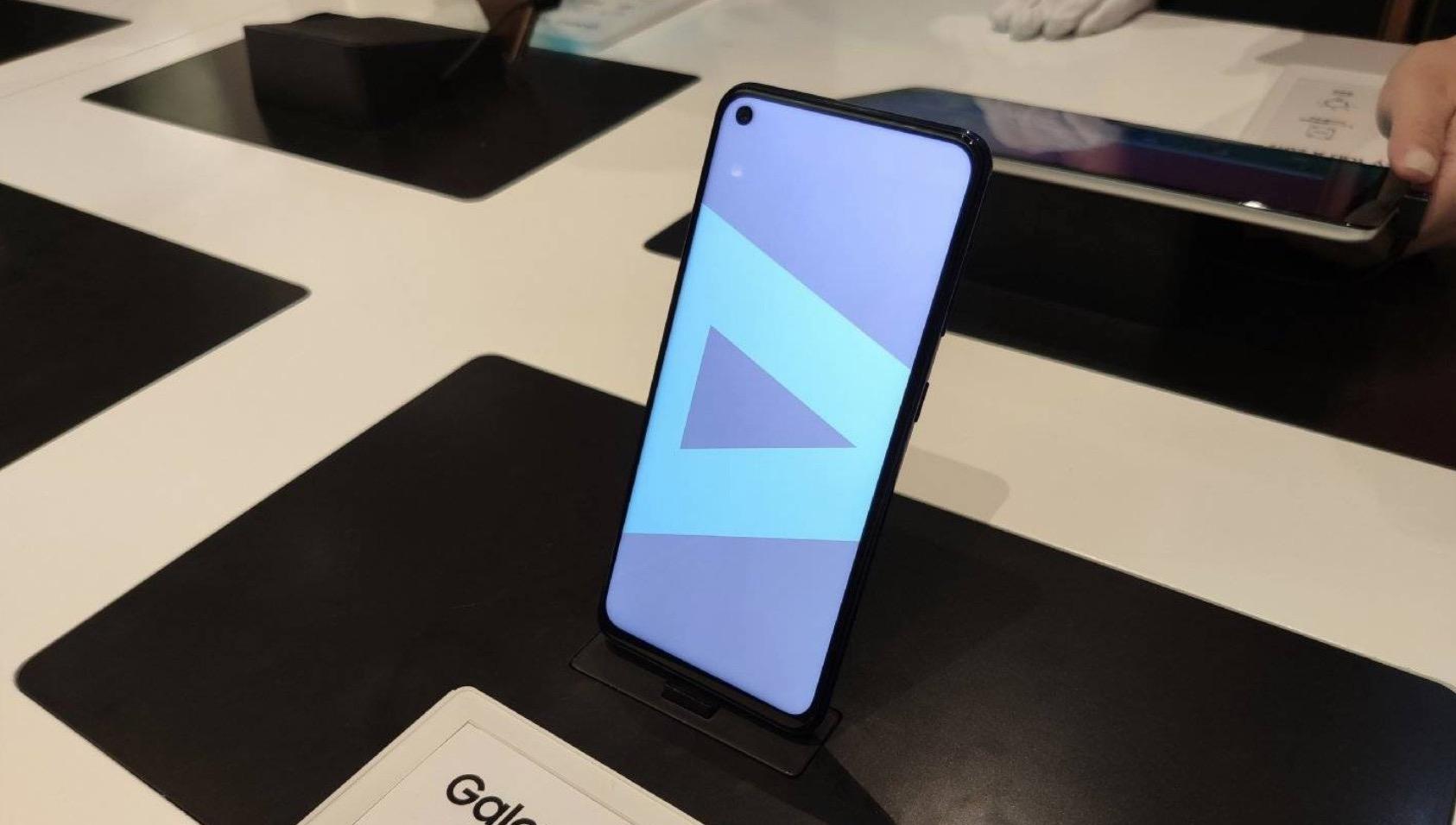 Samsung ra mắt Galaxy A60 với công nghệ truyền âm qua màn hình, Snapdragon 675, 6GB RAM, giá 7 triệu đồng