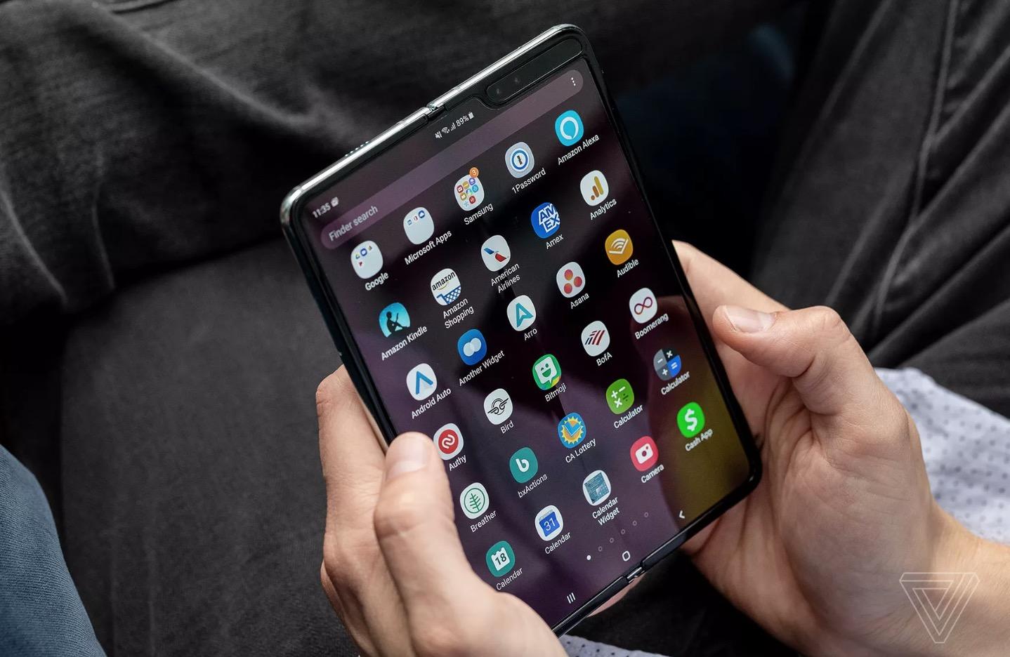 Samsung thay đổi điều gì trên Galaxy Fold để khắc phục lỗi?