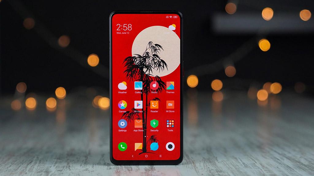 Xiaomi CC9 lộ hình ảnh thực tế với màn hình tràn viền không khiếm khuyết nốt ruồi hay tai thỏ