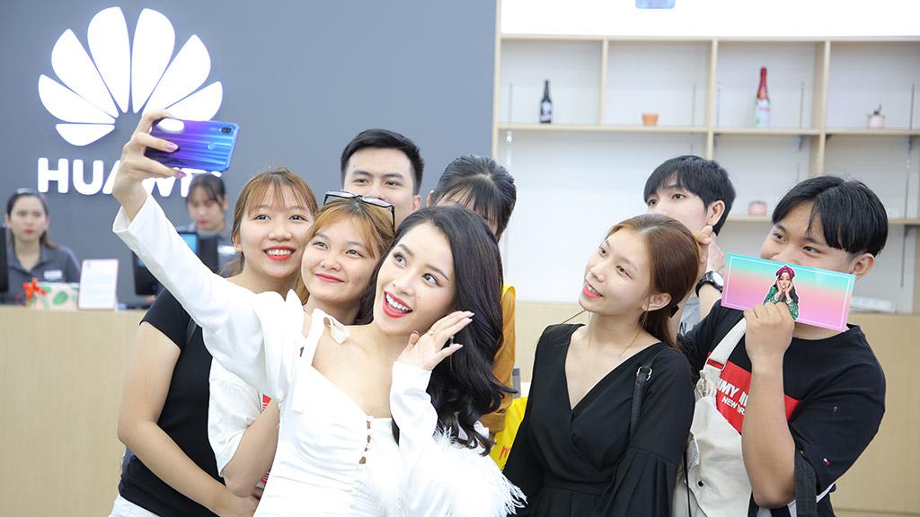 Huawei khai trương cửa hàng trải nghiệm thứ 6 Việt Nam
