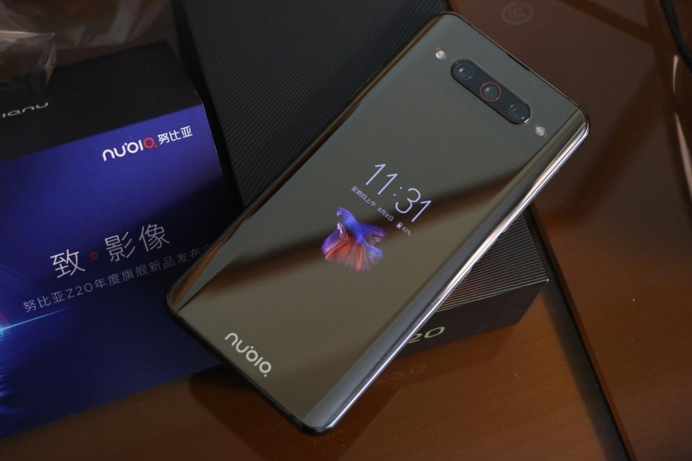 Nubia Z20 ra mắt: Snapdragon 855+, hai màn hình AMOLED, hai cảm biến vân tay, ba camera