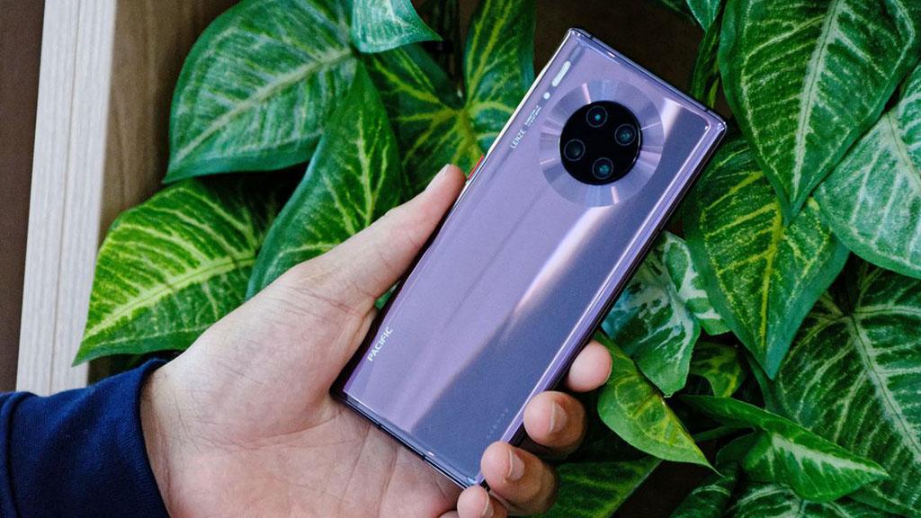 Cận cảnh Huawei Mate 30 Pro vừa mới ra mắt: Thiết kế cụm 4 camera hình tròn, màn hình cong 2 cạnh và không đi kèm Google app