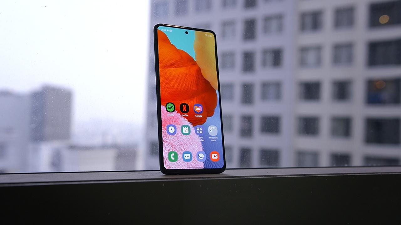 Galaxy A51 cập bến thị trường Việt Nam: Màn hình Infinity-O như Note 10, cụm 4 camera sau hình chữ nhật, giá 7.99 triệu