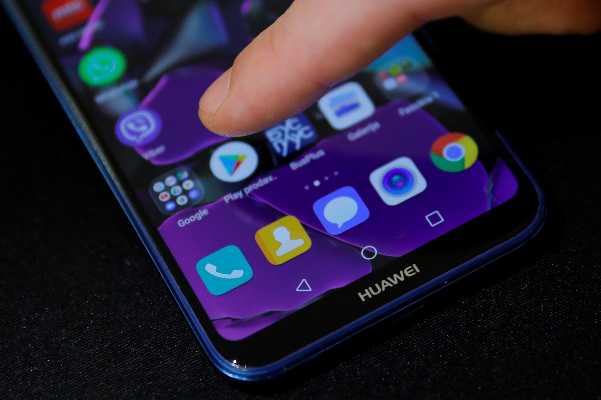 Kho ứng dụng AppGallery của Huawei có thể tìm và cài file APK từ các trang web thứ ba