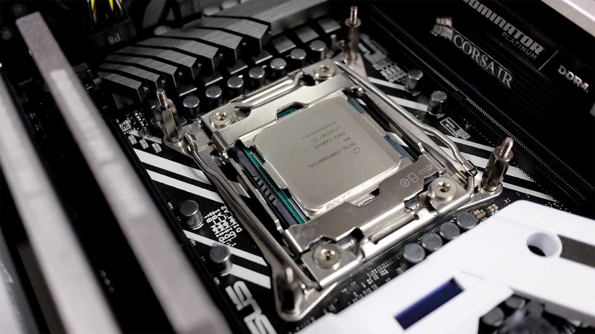 [Computex 2018] Intel bật mí về CPU với 28 nhân, 56 luồng, dự kiến ra mắt cuối năm nay