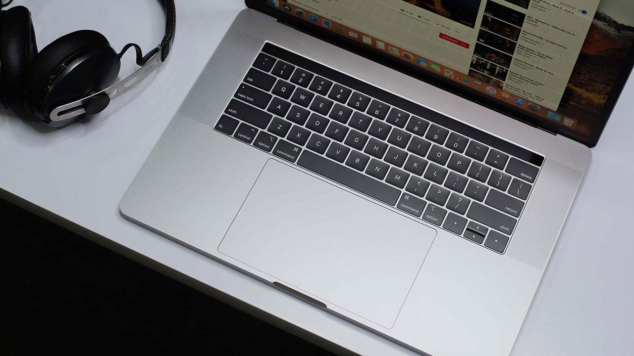 Cùng xem iFixit thử nghiệm khả năng chống bụi của bàn phím trên MacBook Pro 2018