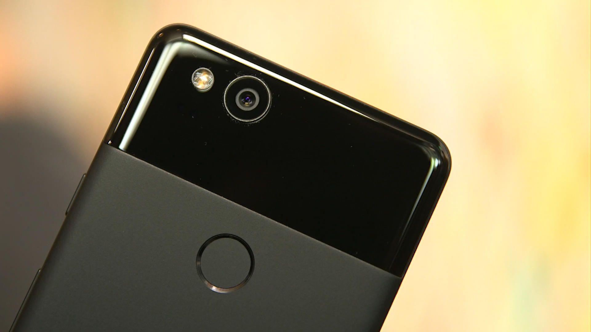 Google Pixel 3 XL lộ hình ảnh thực tế với màn hình tai thỏ, viền dưới rất dày
