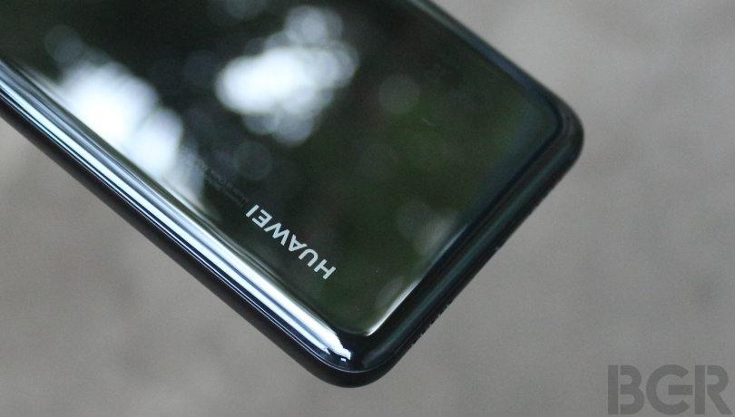 Rò rỉ ảnh Mate 20 Pro, thẻ nhớ NM Card và đế sạc không dây của Huawei