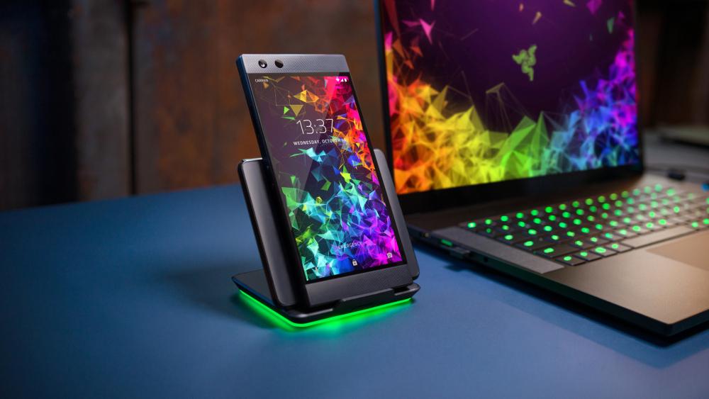 Razer Phone 2 xuất hiện trên Amazon, bổ sung thêm đèn LED RGB, sạc không dây và IP67