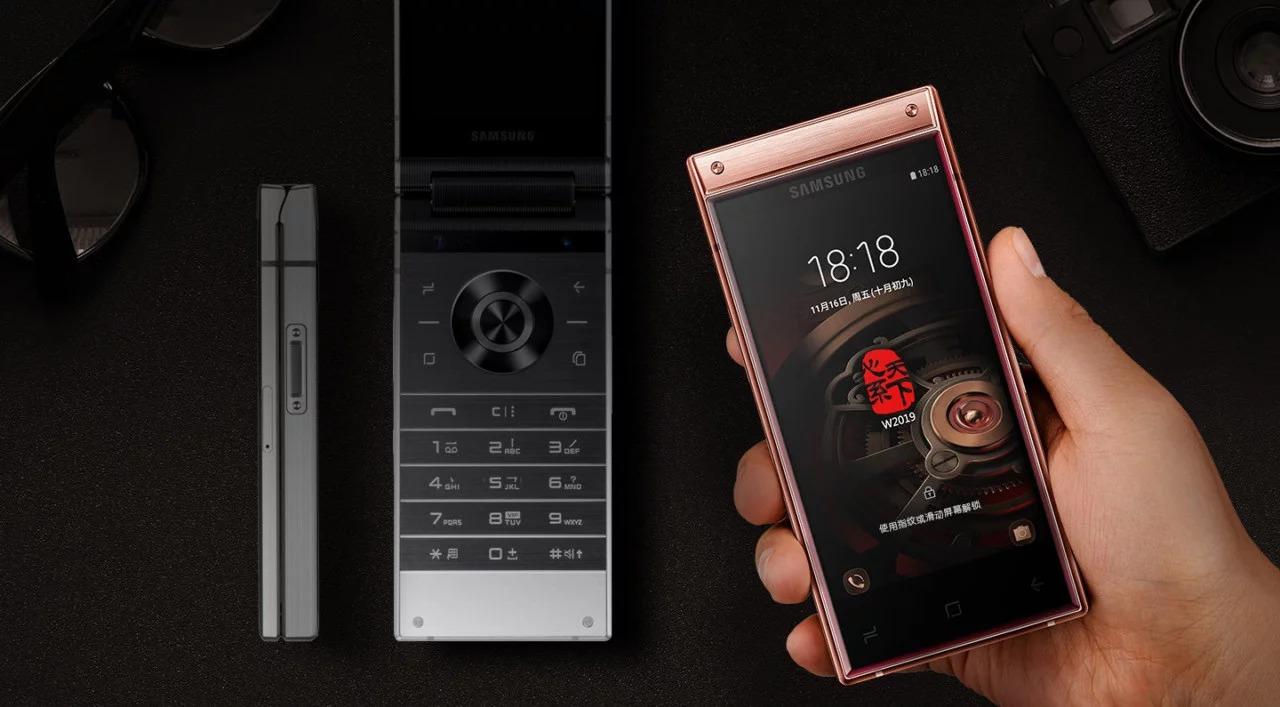 Samsung W2019, smartphone nắp gập, hai màn hình, hai camera, cùng vi xử lý Snapdragon 845