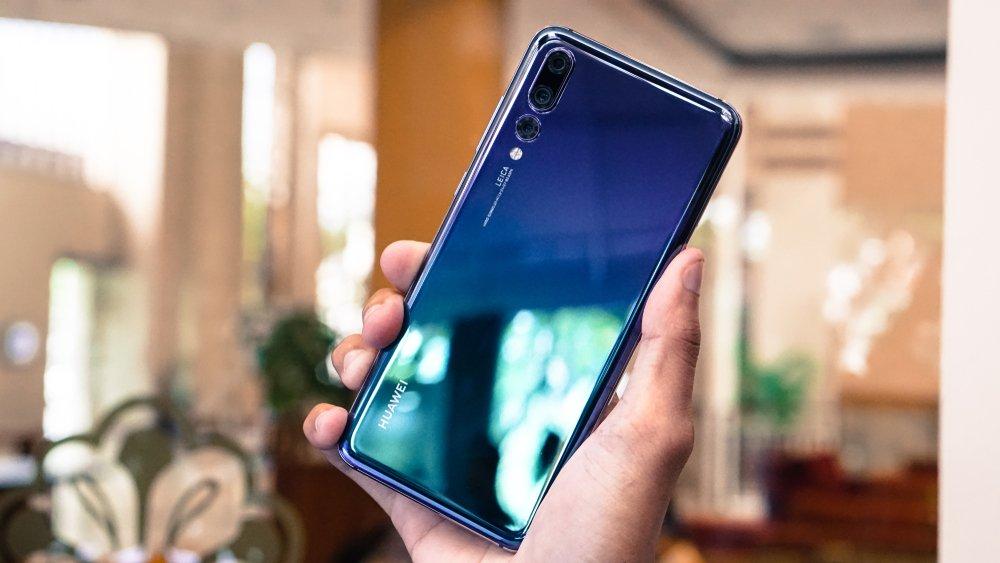 Huawei P30 sẽ có cụm 3 camera sau, cảm biến chính 40MP, hỗ trợ zoom 5x, camera selfie 24MP