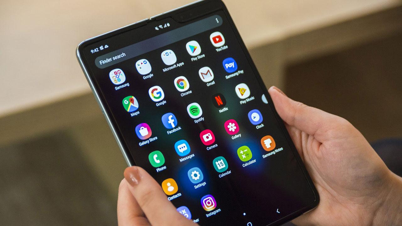 Điện thoại màn hình gập của Sony với tên gọi Xperia F, sẽ dùng màn hình được cung cấp bởi Samsung