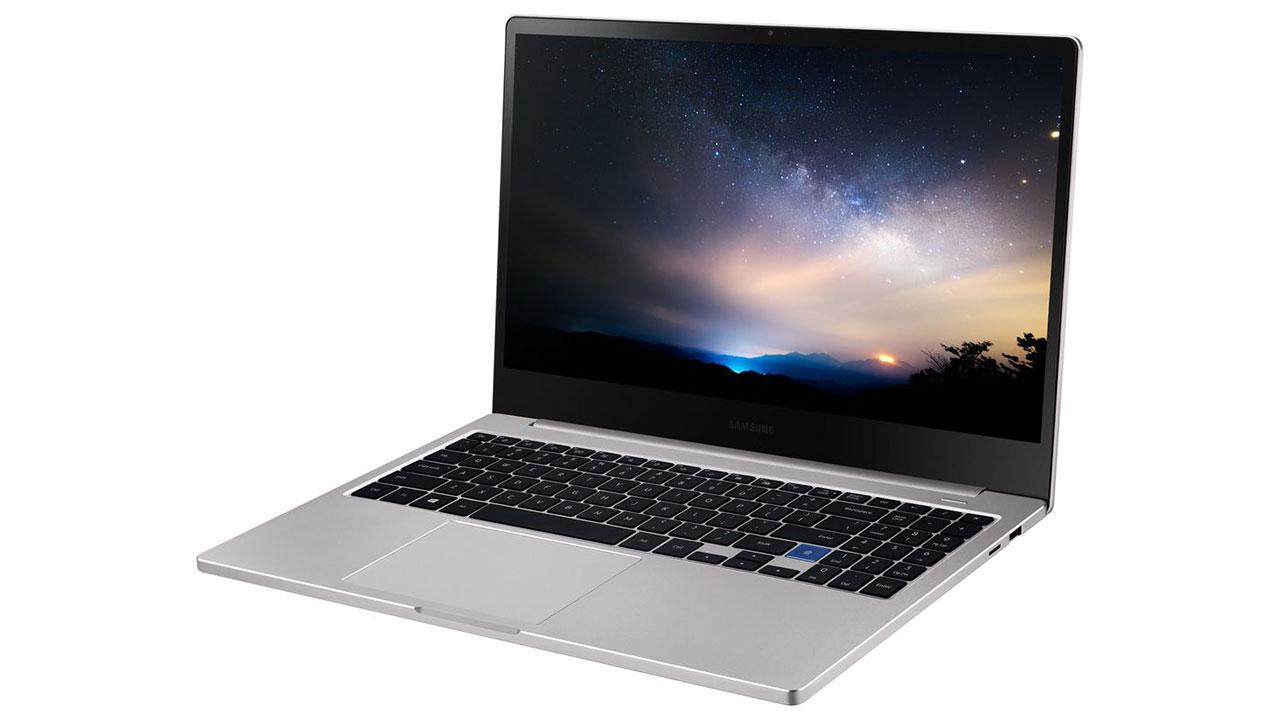Samsung ra mắt Notebook 7 (2019), thiết kế giống y hệt MacBook Pro của Apple, giá bán từ 1.000 USD