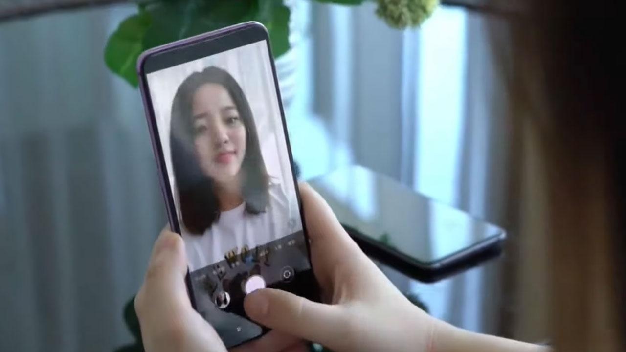 Sau khi Oppo nhá hàng, Xiaomi cũng hé lộ nguyên mẫu smartphone với camera dưới màn hình