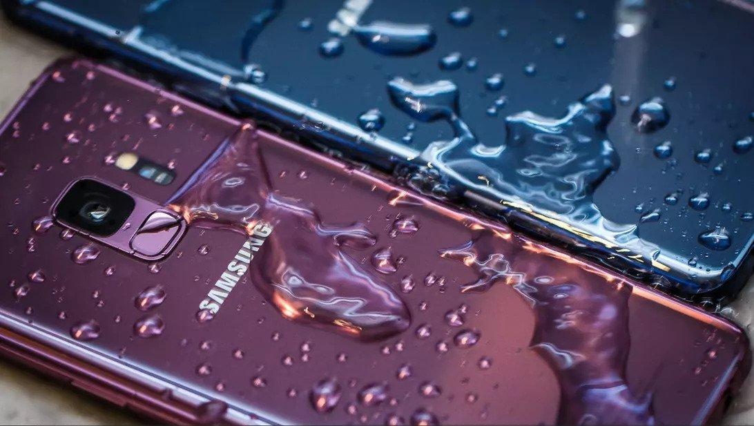 Samsung bị tố quảng cáo sai sự thật về khả năng chống nước trên các mẫu flagship Galaxy S ra mắt từ năm 2016 đến nay