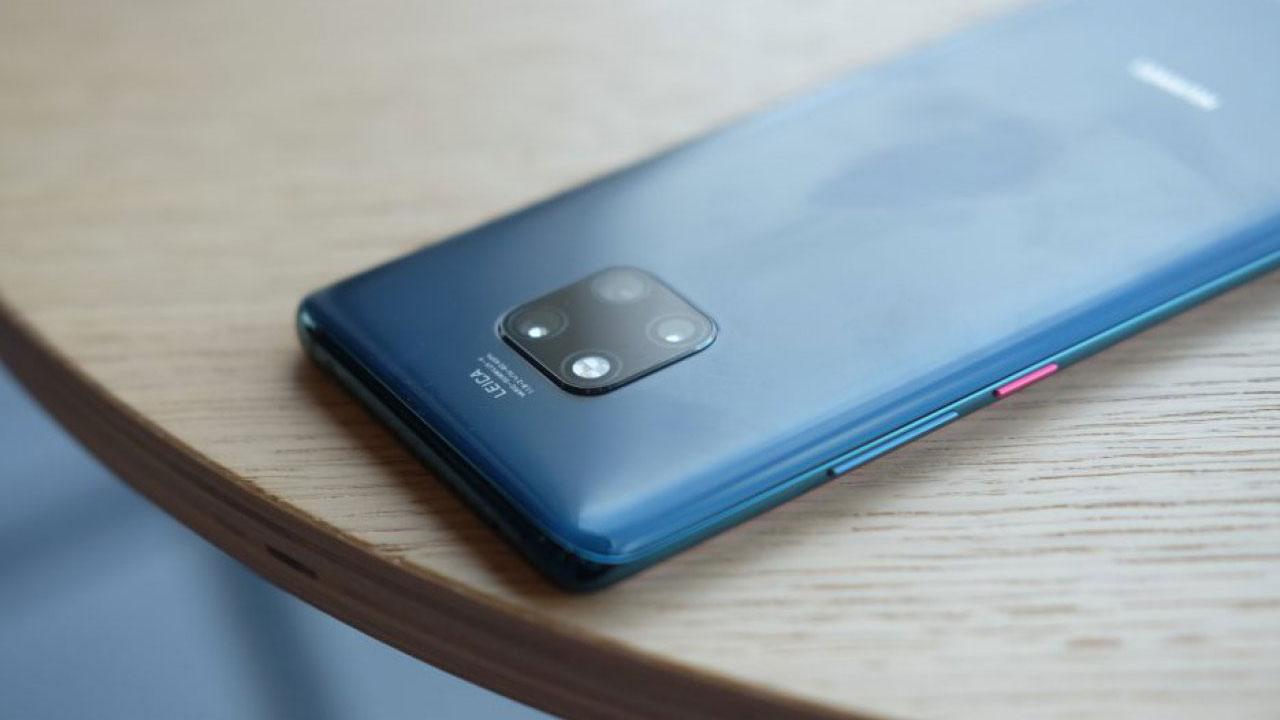 Huawei Mate 30 Pro có cạnh màn hình cong gần 90 độ, báo hiệu thiết kế kính nguyên khối?