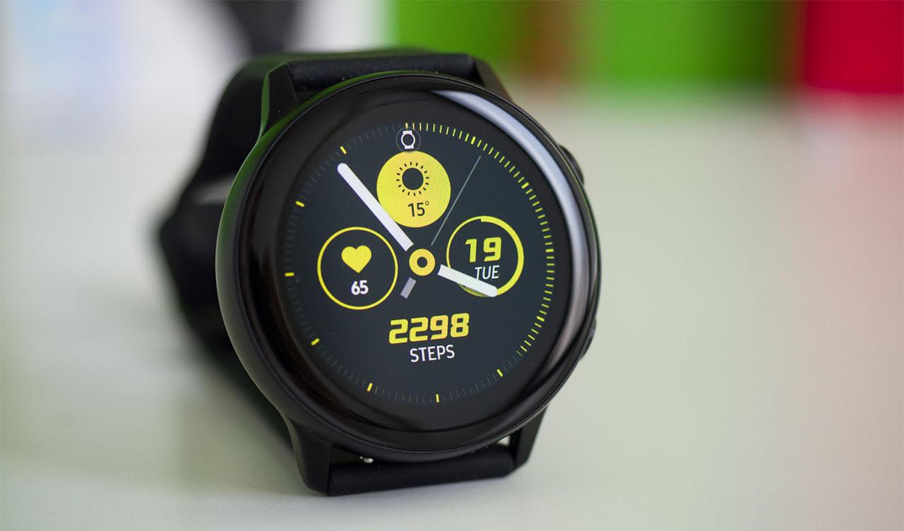 Lộ hình ảnh render Samsung Galaxy Watch Active 2 với thiết kế tương tự như thế hệ đầu