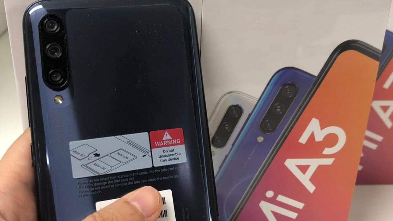 Xuất hiện ảnh mở hộp Xiaomi Mi A3, xác nhận chip Snapdragon 665, 3 camera sau