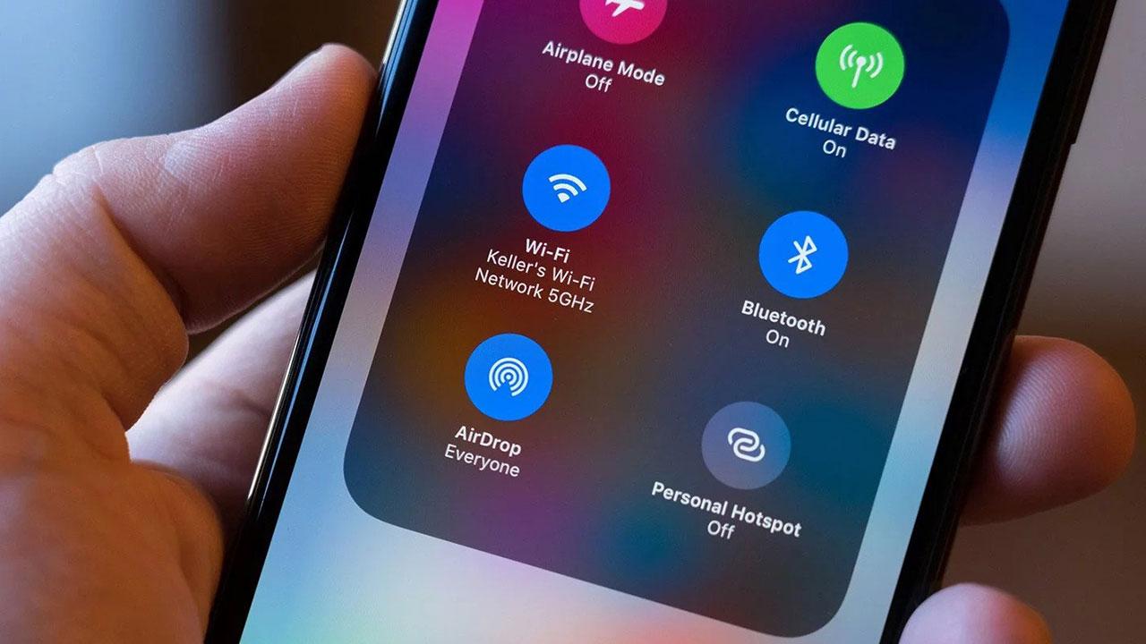 Apple AirDrop dùng thì tiện, nhưng có thể trở thành lỗ hổng bảo mật lớn